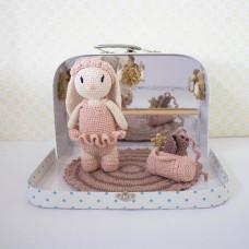 Krea Deluxe - Hækle kit - Ballerina kanin bamse, tøj og dansestudio i kuffert