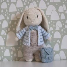 Krea Deluxe - Hækleopskrift - Tøj til drenge kanin bamse