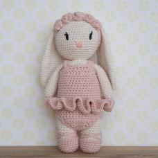 Krea Deluxe - Hækleopskrift - Ballerina tøj til pige kanin bamse