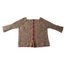 Billigt garn - DIY - Lillestrik strikkekits - Babytrøje Carl med røde knapper - str. 0-6 måneder - str. 6-12 måneder.